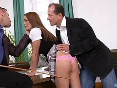 DP step shows redhead in all her nobleness