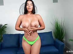 horny chick LaSirena69 gets her penurious cunt banged from bankrupt