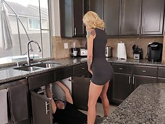 Tattooed housewife Sarah Jessie enjoys having mating with a plumber