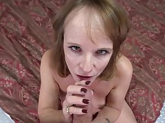 Homemade video give naughty Cyndi Sinclair sucking a penis