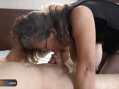 AgedLove Young guy gets blowjob from experienced lady