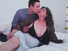Mature busty BBW Jana gets her fat botheration pounded from behind