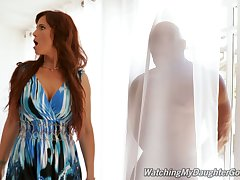 Sexy MILF Syren De Mer obligations their way stepdaughter's BF hiding behind a curtain