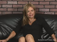 Insatiable inferior flaxen-haired MILF is a total adherent