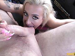 Blonde amateur gags and fucks on the back seat in dirty XXX play