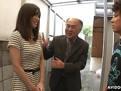 Pretty Japanese girl Saki Aiba allows her step brother concerning shave hairy pussy