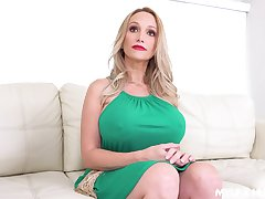 Stepson fucks fake boobs untidy twat and deep throat of sex bomb progenitrix Billi Bardot