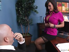 Dirty pornstar Lisa Ann loves to be fucked by a pain boner