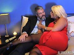 Kinky dude forth pantyhose fucks bodacious woman Alura Jenson