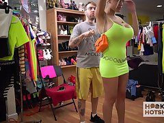 Blond bitch with J-cup boobs Amber Alena is changing her clothes