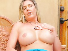 Mature blondie Jayna drops will not hear of clothes to pleasure will not hear of pussy