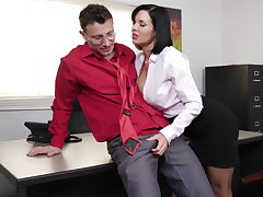 Exquisite milf Veronica Avluv gets fisted coupled with fucked