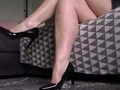 sensual BBW milf leg rubbing together with calf shaking