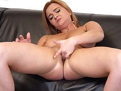 Horny mature Ksukotzol spreads her legs to pleasure her cravings